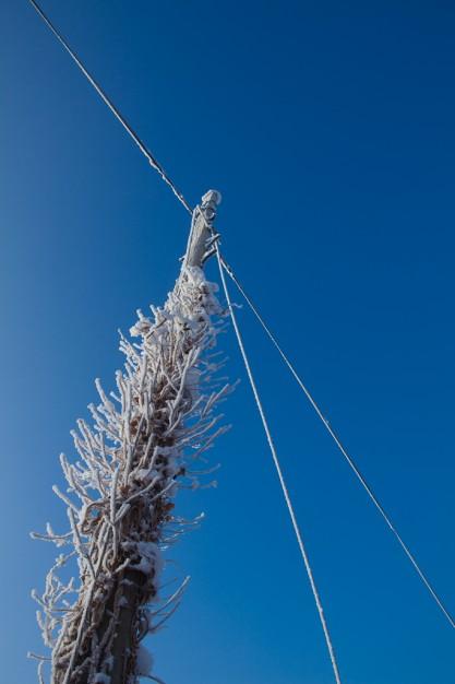 Frozen wires, vale of clwyd